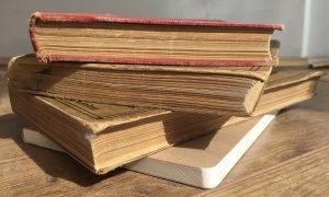books-1394336_1280